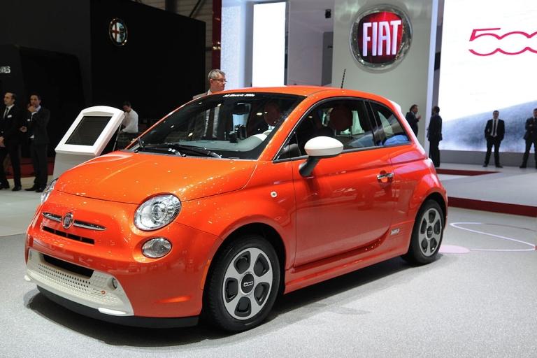 2013-03-05_Geneva_Motor_Show_8283_Fiat_500e