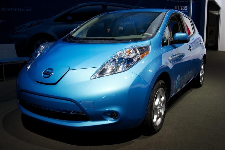2013_Nissan_Leaf_2012_LA_Show